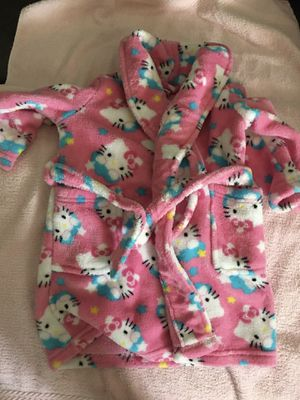 Size 3T hello kitty bath robe like new for Sale in Glendale, AZ