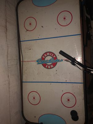 Air hockey table good condition just missing hitters for Sale in Belleville, IL