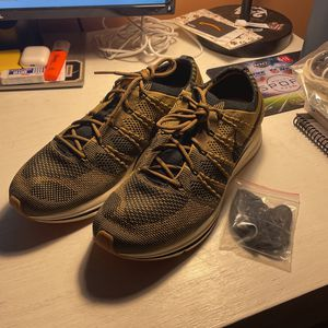Nike Fly knit Trainer Golden Beige for Sale in Trumbull, CT