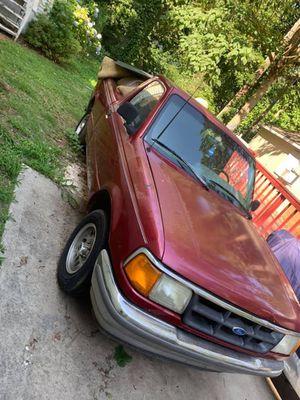 1994 ford ranger 4 cylinder 5 speed for Sale in Marietta, GA