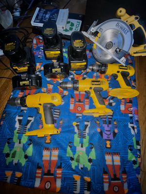 DeWalt Drill set & Circular Saw for Sale in Saint Paul, MN