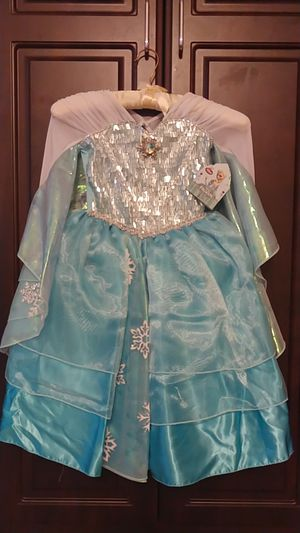 Disney Store Elsa costume size 3T for Sale in Fort Worth, TX
