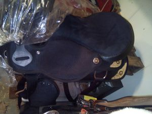 """17"""" synthetic saddle and tack. BRAND NEW for Sale in Calhoun, LA"""