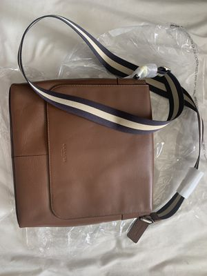 NEW Coach Charles Messenger Bag for Sale in Yuba City, CA
