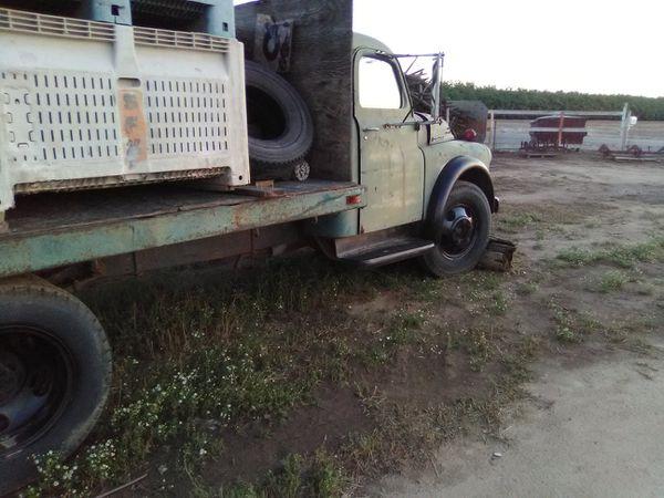 Flatbed Dodge no engine