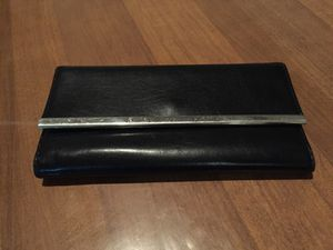 Guess wallet. Black. Great condition. $20 or best offer. for Sale in Houston, TX