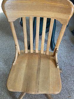Desk Swirl Chair for Sale in Everett,  WA