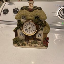 Little House Clock for Sale in Manteca,  CA