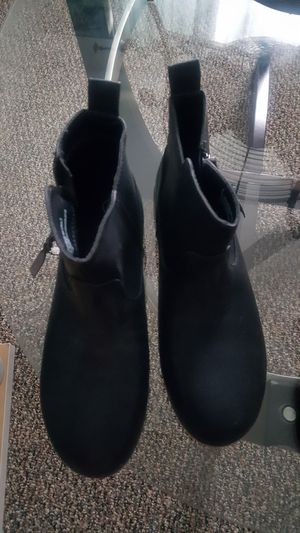 Black boots size 5 Girls for Sale in Kissimmee, FL