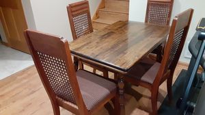 Kitchen table and chairs for Sale in Homer Glen, IL