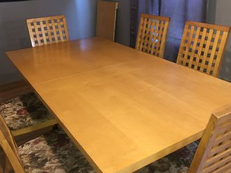 Dinning Table Set for Sale in Newburgh Heights,  OH