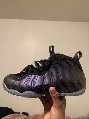 Nike Foamposite size 8.5 eggplant for Sale in RICHMOND, CA
