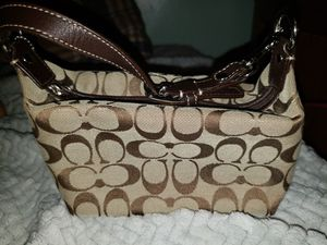 Small coach purse for Sale in Pittsburgh, PA
