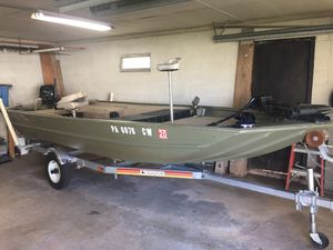 Crestliner 16' aluminum boat for Sale in Souderton, PA