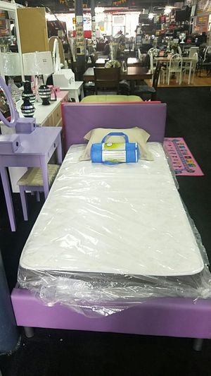 Twin purple bed for Sale in Cleveland, OH