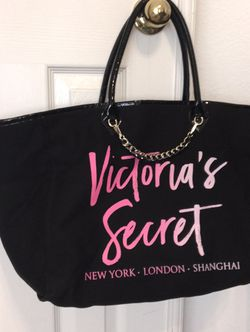 Victoria Secret Tote Bag for Sale in Fresno,  CA