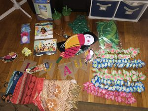 Moana costume and party decorations for Sale in Queens, NY