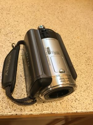 Sony DCR-SR80 60GB Hard Drive Camcorder -Very Clean and New for Sale in Sammamish, WA