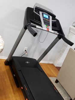 Nordictrack T5.5 Treadmill like New for Sale in Springfield,  VA