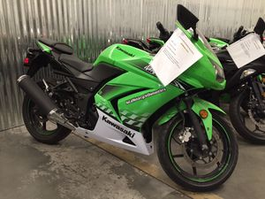 Kawasaki 2010 EX250 250 Ninja Motorcycle - RUNS GREAT! for Sale in Fontana, CA