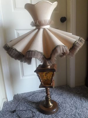Antique Style Lamp for Sale in Rialto, CA