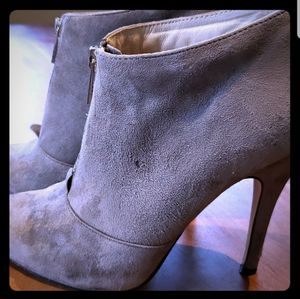 Aldo Sherly Gray Booties Sz8.5 for Sale in Leavenworth, WA