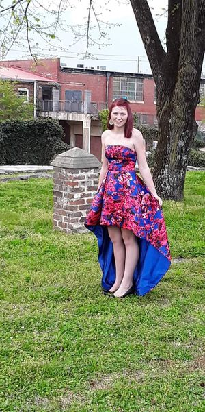 Prom dress best offer size 2-4 for Sale in Cleveland, TN