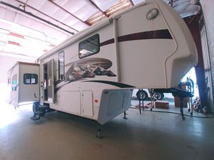 2009 Montana Limited Edition! for Sale in Arroyo Grande, CA