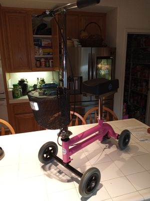 Knee scooter in beauty and health for Sale in Corona, CA