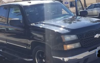 2004 Chevy Silverado 1500 V8. Motor 5.3 168,000 Miles for Sale in Nellis Air Force Base,  NV