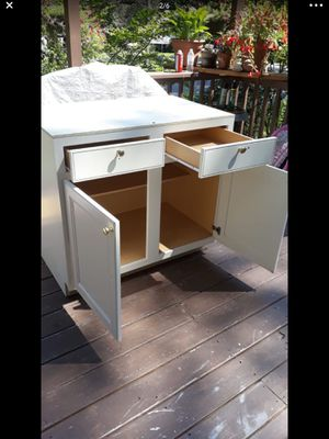 Kitchen cabinet for Sale in Raleigh, NC