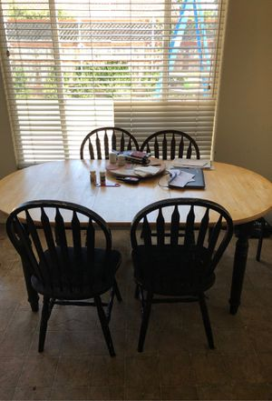 Kitchen table and 4 chairs for Sale in Imperial Beach, CA