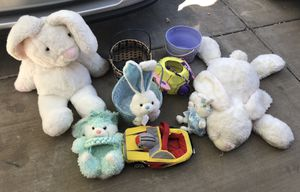 Stuffed animals and baskets for Sale in Henderson, NV