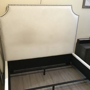Queen Upholstered Platform Bed for Sale in Los Angeles, CA