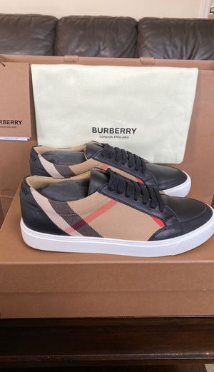 Burberry Women's House Check and Leather Low Top Sneaker Size 37.5 EUR, 4.5 UK, 7 US for Sale in Island Park, NY