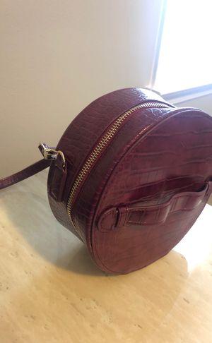 Cross body purse for Sale in Murfreesboro, TN
