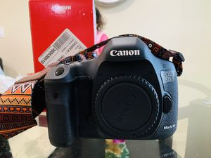 Canon EOS 5D Mark III 22.3 MP Full Frame CMOS with 1080p Full-HD Video for Sale in Houston, TX