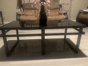 Coffee table for Sale in March Air Reserve Base, CA