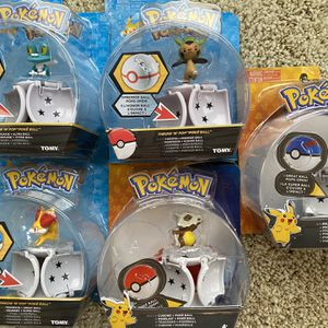Poke Ball Complete Set (5) Pokémon for Sale in North Augusta, SC