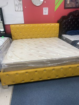 New king bed with matreses for $399 for Sale in Richardson, TX