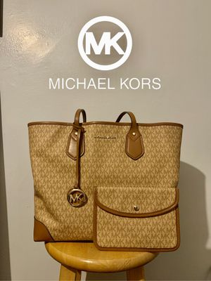 Michael Kors MK Tote Hand Bag ✨ for Sale in Claremont, CA