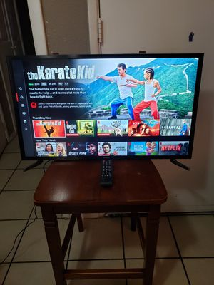 """SAMSUNG LED 32"""" SMART TV EXCELLENT CONDITION REMOTE CONTROL INCLUDED for Sale in Glendale, AZ"""