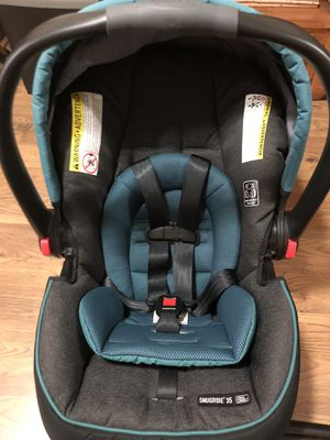 Graco car seat and bases for Sale in Troy, NY
