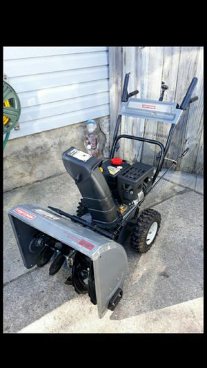 "LIKE-NEW Craftsman 24"" Inch 2-Stage Self Propelled Snowblower W/Electric Start And Storage Cover for Sale in Aurora, IL"