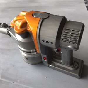 Dyson vac top piece for Sale in Madera, CA