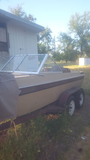 1977 17ft I/O w/Volvo Penta AQ 130 4cyl motor 180 outdrive for Sale in Riverside, CA