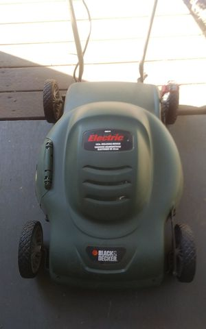 Black and Decker electric mulching mower PRICE REDUCED for Sale in Bothell, WA