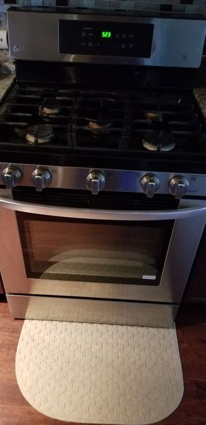 LG stove LG microwave for Sale in Chicago, IL