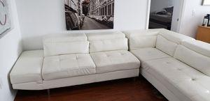 White leather designer sofa / white leather couch for Sale in Miami, FL