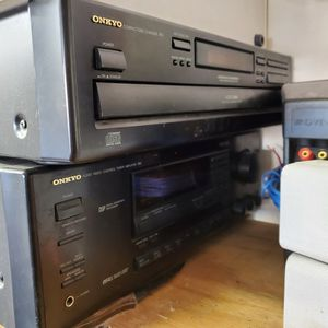 Old School Onkyo Stereo with speakers for Sale in Fountain Hills, AZ